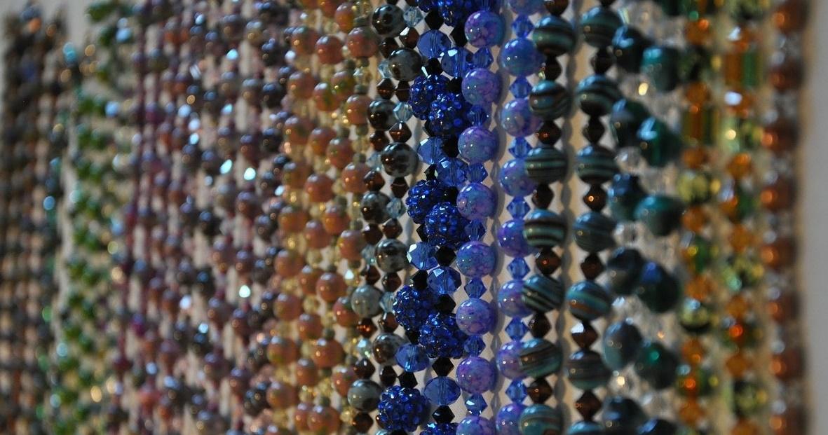 necklaces-218911_1280