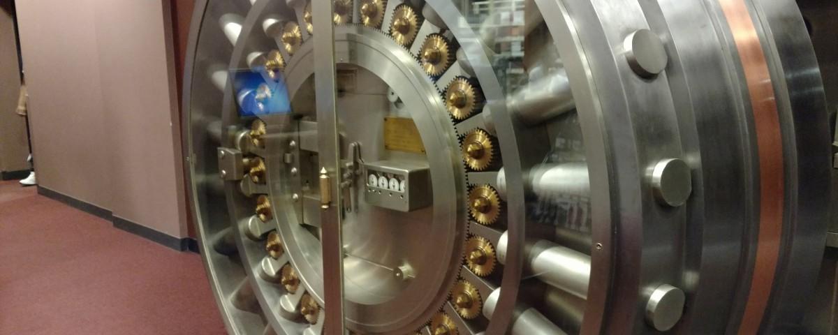 vault-2383965_1920