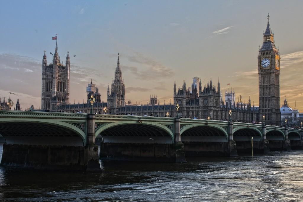 london-530055_1920(2)